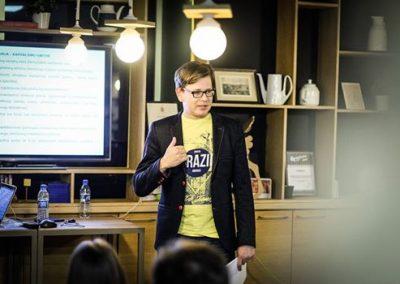 Dr. Remigijus Venckus viešoje paskaitoje apie kapitalizmą ir kūrybines industrijas (2016-11-14 Talent Garden, Kaunas)